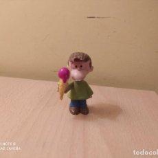 Figuras de Goma y PVC: FIGURA FELIPE CON HELADO AMIGO DE MAFALDA. QUINO COMICS SPAIN PVC AÑOS 80. Lote 218785347