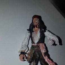 Figuras de Goma y PVC: MUÑECO GOMA JACK SPARROW. Lote 218878333