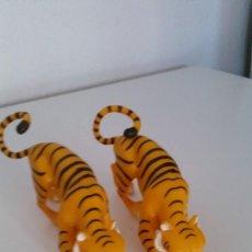 Figuras de Goma y PVC: PAREJA DE TIGRES HECHOS DE GOMA SELADO C,2009,-DQ,ENTERTAINMENT. Lote 219236301