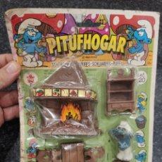 Figuras de Goma y PVC: BLISTER CARTÓN PITUFHOGAR DE LA SERIE DE TV LOS PITUFOS FIGURA JUGUETE MARCA PERY BARVAL REF 820. Lote 219345665