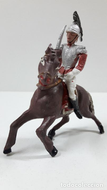 Figuras de Goma y PVC: CORACERO DEL REY A CABALLO . REALIZADO POR TEIXIDO . ORIGINAL AÑOS 60 . CABALLO NO INCLUIDO - Foto 2 - 219545350
