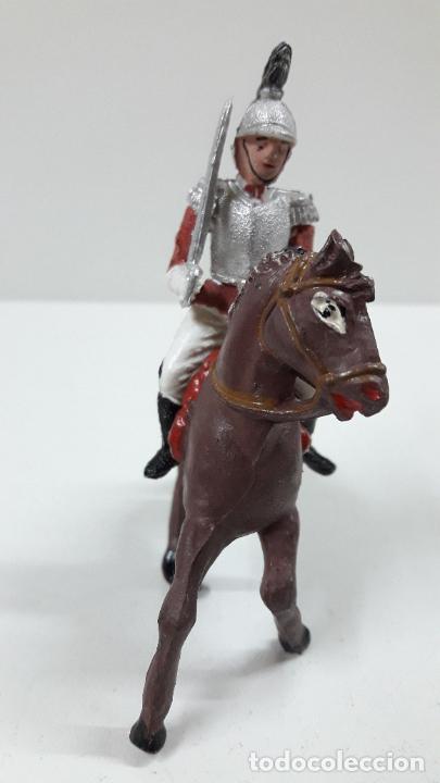 Figuras de Goma y PVC: CORACERO DEL REY A CABALLO . REALIZADO POR TEIXIDO . ORIGINAL AÑOS 60 . CABALLO NO INCLUIDO - Foto 3 - 219545350