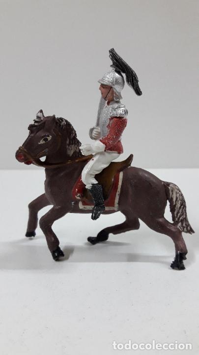 Figuras de Goma y PVC: CORACERO DEL REY A CABALLO . REALIZADO POR TEIXIDO . ORIGINAL AÑOS 60 . CABALLO NO INCLUIDO - Foto 6 - 219545350