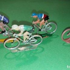 Figuras de Goma y PVC: LOTE 4 CICLISTAS- DE PLASTICO DE SOTORRES - VUELTA CICLISTA - AÑOS 60. Lote 220084503