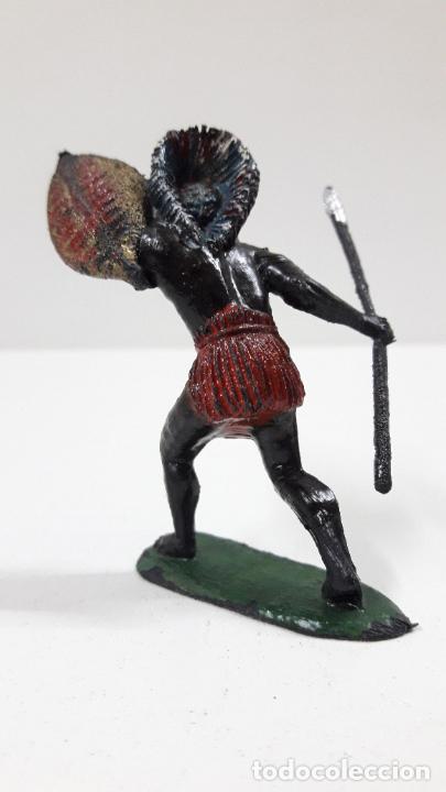 Figuras de Goma y PVC: GUERRERO AFRICANO NEGRO . REALIZADO POR TEIXIDO . SERIE SAFARI . ORIGINAL AÑOS 60 - Foto 3 - 220422847