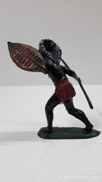 Figuras de Goma y PVC: GUERRERO AFRICANO NEGRO . REALIZADO POR TEIXIDO . SERIE SAFARI . ORIGINAL AÑOS 60 - Foto 4 - 220422847