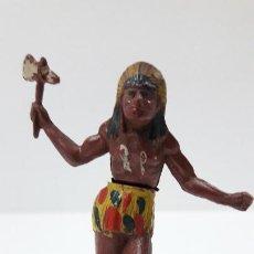 Figuras de Goma y PVC: GUERRERO INDIO ATACANDO . REALIZADO POR GAMA . AÑOS 50 EN GOMA. Lote 220442243