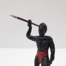 Figuras de Goma y PVC: GUERRERO AFRICANO NEGRO . REALIZADO POR MAIRZA . SERIE SAFARI . ORIGINAL AÑOS 50 / 60. Lote 220641491