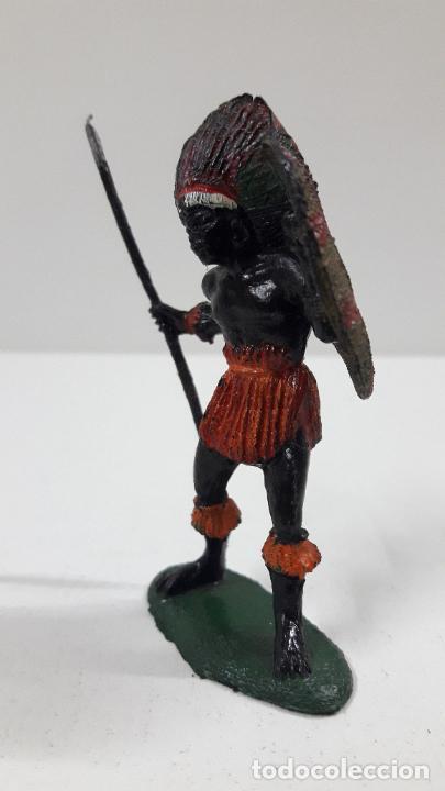 Figuras de Goma y PVC: GUERRERO AFRICANO NEGRO . REALIZADO POR TEIXIDO . SERIE SAFARI . ORIGINAL AÑOS 60 - Foto 3 - 220644562