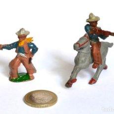 Figuras de Goma y PVC: COWBOY CON PISTOLA Y JINETE CON RIFLE Y CABALLO, TODO EN GOMA, LAFREDO Ó CAPELL, CIRCA 1950. Lote 220759933