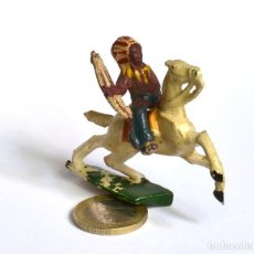 Figuras de Goma y PVC: INDIO CON ARCO A CABALLO ARCLA CAPELL, EN GOMA, CIRCA 1950.. Lote 220761076