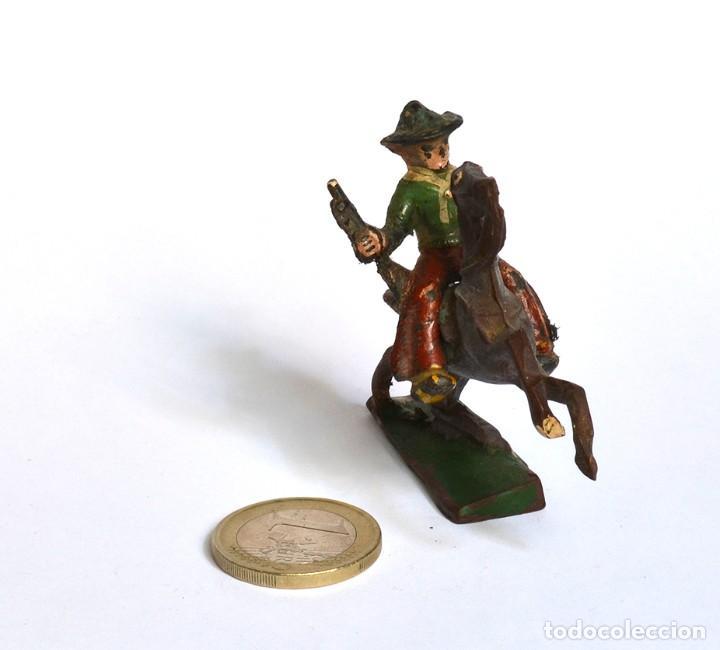 Figuras de Goma y PVC: Cowboy con rifle a caballo Arcla Capell ó Lafredo, en goma, circa 1950. - Foto 4 - 220761785