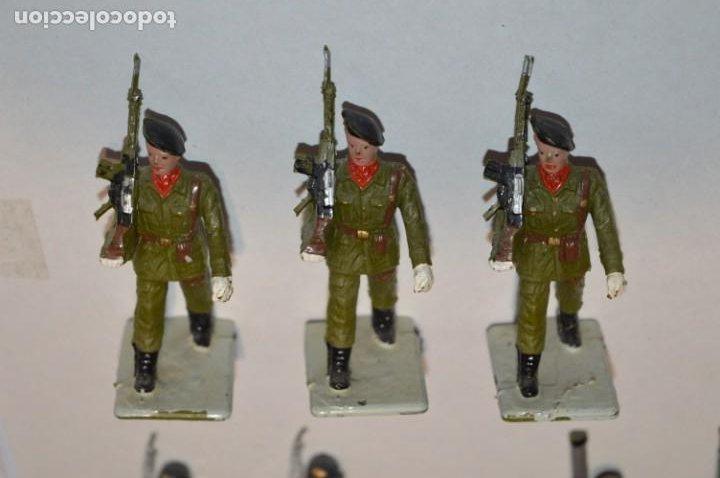 Figuras de Goma y PVC: SOLDADOS VARIADOS - Antiguo/vintage - 17 Soldados desfilando - REAMSA y GOMARSA - ¡Mira fotos! - Foto 11 - 220868550