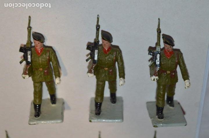 Figuras de Goma y PVC: SOLDADOS VARIADOS - Antiguo/vintage - 17 Soldados desfilando - REAMSA y GOMARSA - ¡Mira fotos! - Foto 15 - 220868550