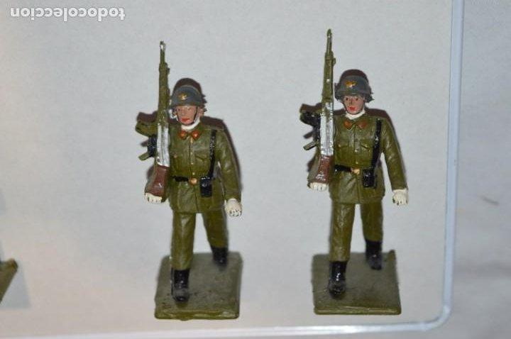 Figuras de Goma y PVC: SOLDADOS VARIADOS - Antiguo/vintage - 17 Soldados desfilando - REAMSA y GOMARSA - ¡Mira fotos! - Foto 19 - 220868550