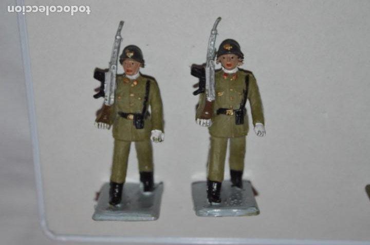 Figuras de Goma y PVC: SOLDADOS VARIADOS - Antiguo/vintage - 17 Soldados desfilando - REAMSA y GOMARSA - ¡Mira fotos! - Foto 27 - 220868550