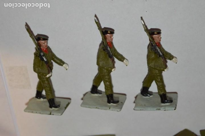 Figuras de Goma y PVC: SOLDADOS VARIADOS - Antiguo/vintage - 17 Soldados desfilando - REAMSA y GOMARSA - ¡Mira fotos! - Foto 13 - 220868550