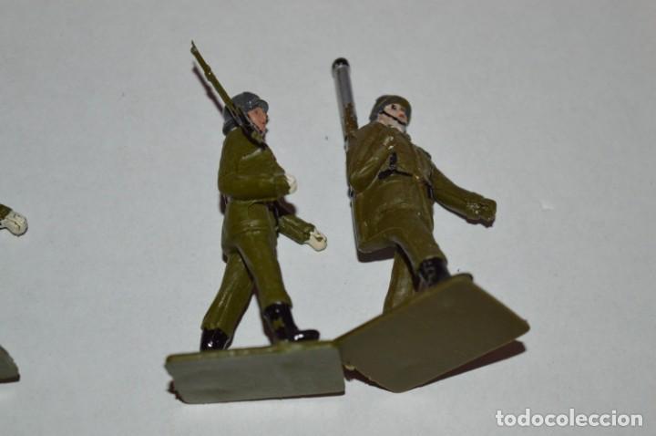 Figuras de Goma y PVC: SOLDADOS VARIADOS - Antiguo/vintage - 17 Soldados desfilando - REAMSA y GOMARSA - ¡Mira fotos! - Foto 25 - 220868550