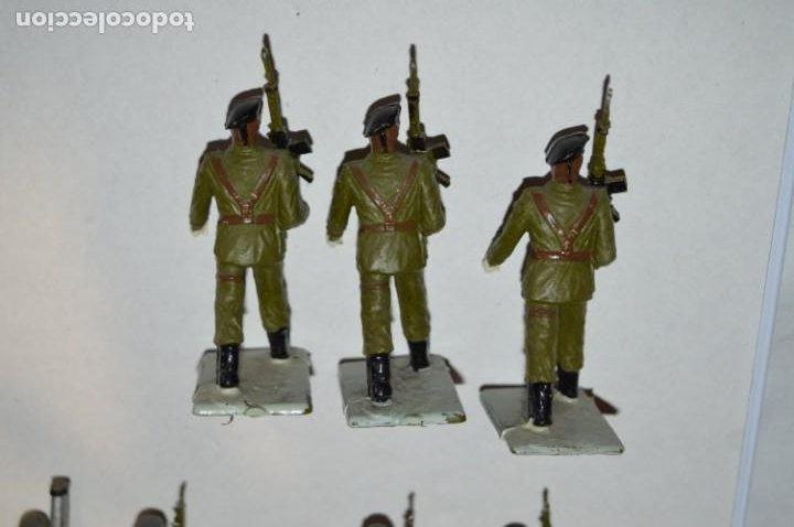 Figuras de Goma y PVC: SOLDADOS VARIADOS - Antiguo/vintage - 17 Soldados desfilando - REAMSA y GOMARSA - ¡Mira fotos! - Foto 16 - 220868550