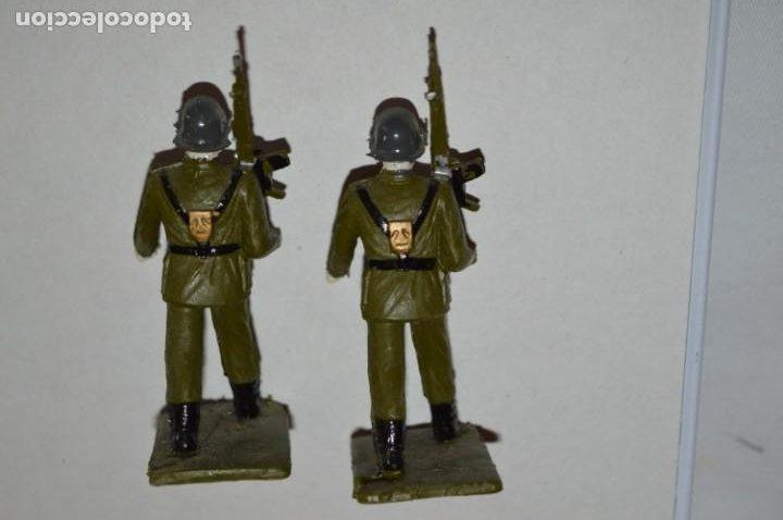 Figuras de Goma y PVC: SOLDADOS VARIADOS - Antiguo/vintage - 17 Soldados desfilando - REAMSA y GOMARSA - ¡Mira fotos! - Foto 20 - 220868550
