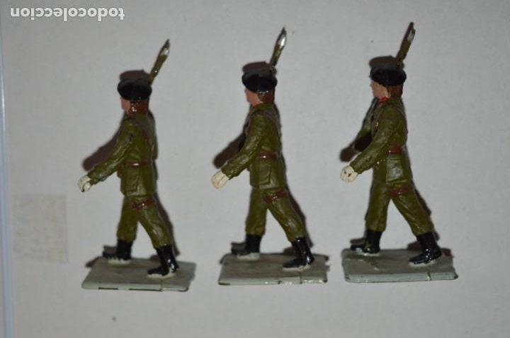 Figuras de Goma y PVC: SOLDADOS VARIADOS - Antiguo/vintage - 17 Soldados desfilando - REAMSA y GOMARSA - ¡Mira fotos! - Foto 14 - 220868550