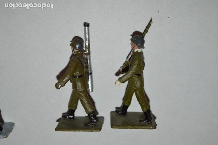 Figuras de Goma y PVC: SOLDADOS VARIADOS - Antiguo/vintage - 17 Soldados desfilando - REAMSA y GOMARSA - ¡Mira fotos! - Foto 26 - 220868550