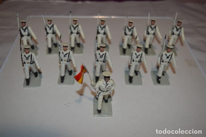 Figuras de Goma y PVC: MARINA / LA ARMADA - Antiguo/vintage - 13 Soldados desfilando - REAMSA y GOMARSA - ¡Mira fotos! - Foto 2 - 220886877