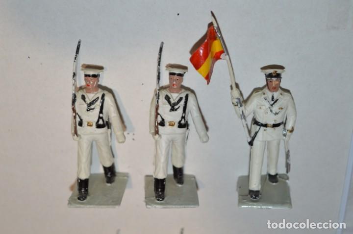 Figuras de Goma y PVC: MARINA / LA ARMADA - Antiguo/vintage - 13 Soldados desfilando - REAMSA y GOMARSA - ¡Mira fotos! - Foto 4 - 220886877