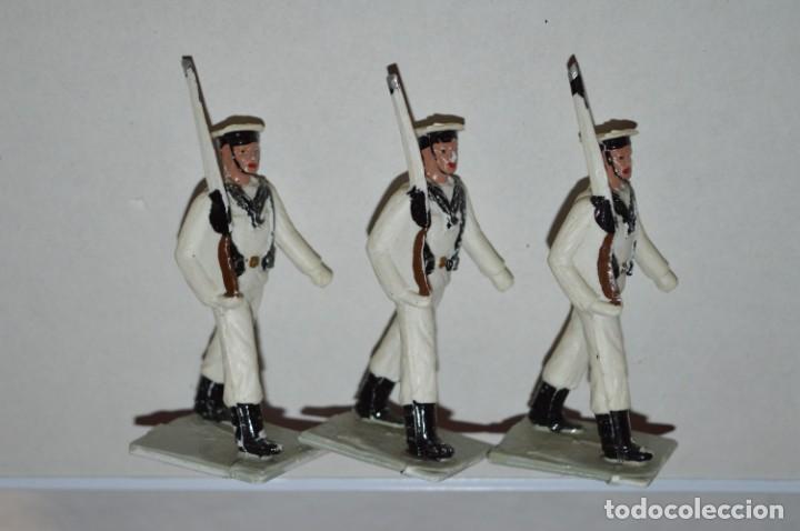 Figuras de Goma y PVC: MARINA / LA ARMADA - Antiguo/vintage - 13 Soldados desfilando - REAMSA y GOMARSA - ¡Mira fotos! - Foto 12 - 220886877