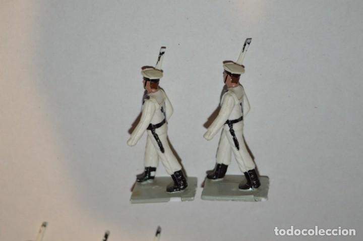 Figuras de Goma y PVC: MARINA / LA ARMADA - Antiguo/vintage - 13 Soldados desfilando - REAMSA y GOMARSA - ¡Mira fotos! - Foto 21 - 220886877