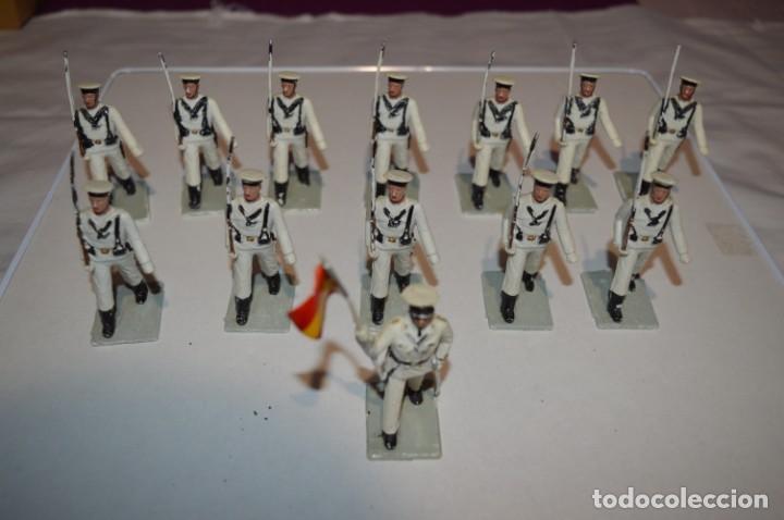 MARINA / LA ARMADA - ANTIGUO/VINTAGE - 13 SOLDADOS DESFILANDO - REAMSA Y GOMARSA - ¡MIRA FOTOS! (Juguetes - Figuras de Goma y Pvc - Reamsa y Gomarsa)