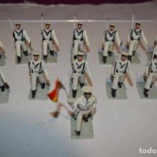 Figuras de Goma y PVC: MARINA / LA ARMADA - ANTIGUO/VINTAGE - 13 SOLDADOS DESFILANDO - REAMSA Y GOMARSA - ¡MIRA FOTOS!. Lote 220886877