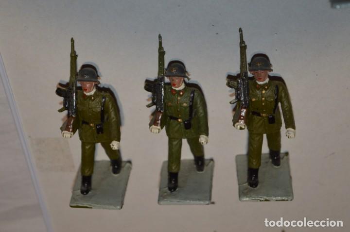 Figuras de Goma y PVC: INFANTERIA - Antiguo/vintage - 13 Soldados desfilando - REAMSA y GOMARSA - ¡Mira fotos! - Foto 4 - 220887528