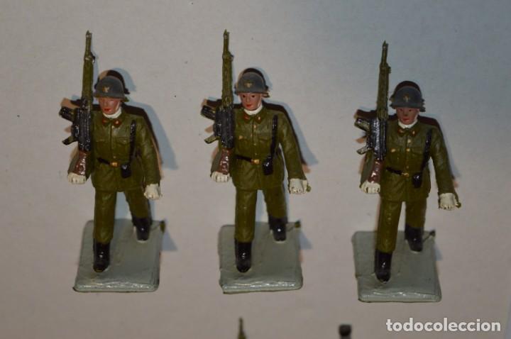 Figuras de Goma y PVC: INFANTERIA - Antiguo/vintage - 13 Soldados desfilando - REAMSA y GOMARSA - ¡Mira fotos! - Foto 5 - 220887528