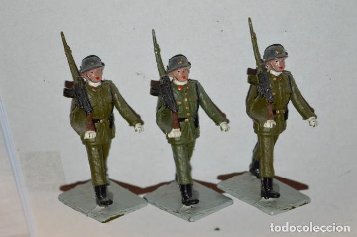 Figuras de Goma y PVC: INFANTERIA - Antiguo/vintage - 13 Soldados desfilando - REAMSA y GOMARSA - ¡Mira fotos! - Foto 10 - 220887528