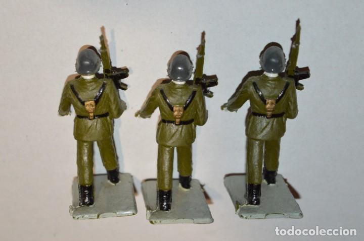 Figuras de Goma y PVC: INFANTERIA - Antiguo/vintage - 13 Soldados desfilando - REAMSA y GOMARSA - ¡Mira fotos! - Foto 16 - 220887528