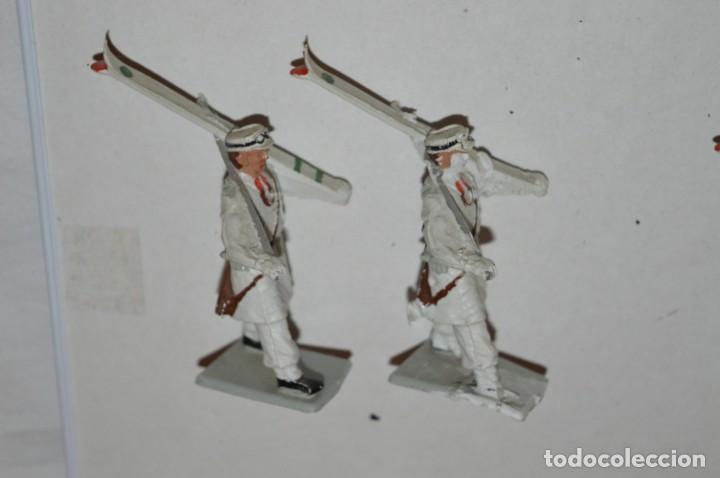 Figuras de Goma y PVC: ESQUIADORES / MONTAÑA - Antiguo/vintage - 13 Soldados desfilando - REAMSA y GOMARSA - ¡Mira fotos! - Foto 10 - 220887676