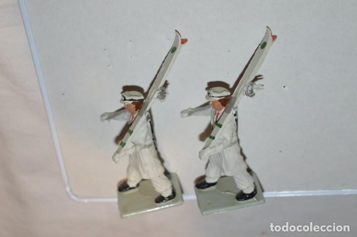 Figuras de Goma y PVC: ESQUIADORES / MONTAÑA - Antiguo/vintage - 13 Soldados desfilando - REAMSA y GOMARSA - ¡Mira fotos! - Foto 17 - 220887676