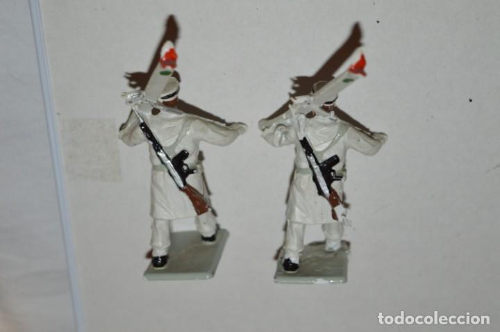Figuras de Goma y PVC: ESQUIADORES / MONTAÑA - Antiguo/vintage - 13 Soldados desfilando - REAMSA y GOMARSA - ¡Mira fotos! - Foto 20 - 220887676