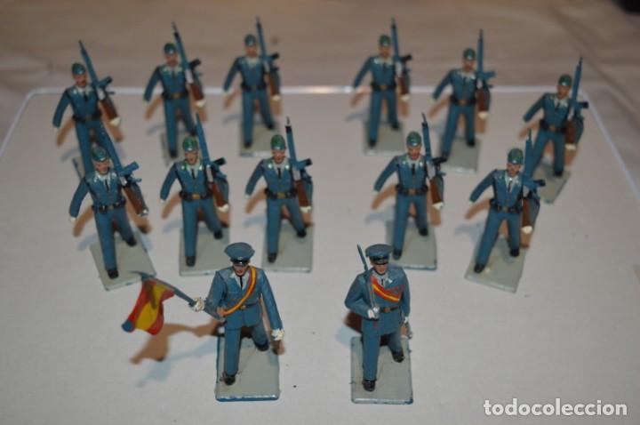 EJERCITO DEL AIRE - ANTIGUO/VINTAGE - 13 SOLDADOS DESFILANDO - REAMSA Y GOMARSA - ¡MIRA FOTOS! (Juguetes - Figuras de Goma y Pvc - Reamsa y Gomarsa)