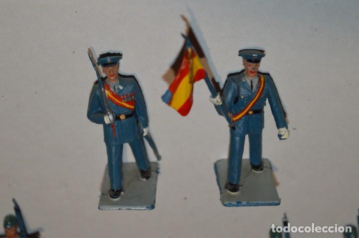 Figuras de Goma y PVC: EJERCITO DEL AIRE - Antiguo/vintage - 13 Soldados desfilando - REAMSA y GOMARSA - ¡Mira fotos! - Foto 4 - 220887811