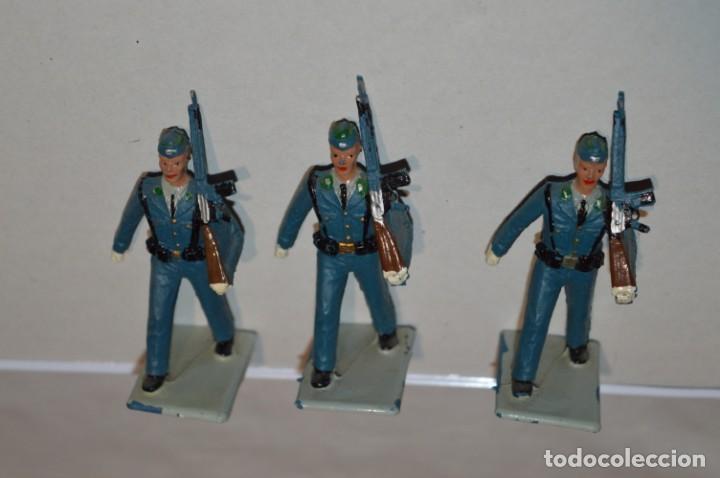 Figuras de Goma y PVC: EJERCITO DEL AIRE - Antiguo/vintage - 13 Soldados desfilando - REAMSA y GOMARSA - ¡Mira fotos! - Foto 8 - 220887811