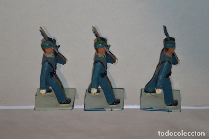 Figuras de Goma y PVC: EJERCITO DEL AIRE - Antiguo/vintage - 13 Soldados desfilando - REAMSA y GOMARSA - ¡Mira fotos! - Foto 13 - 220887811