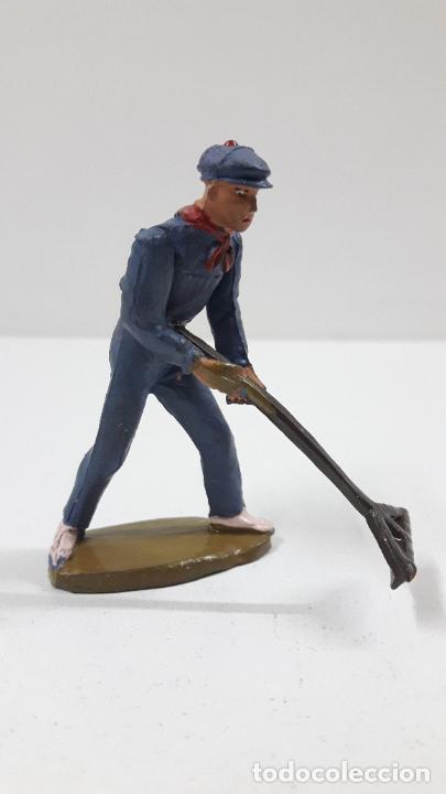 Figuras de Goma y PVC: MONOSABIO - MOZO ARENERO . REALIZADO POR TEIXIDO . ORIGINAL AÑOS 50 - Foto 5 - 221155160