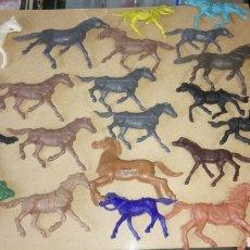 Figuras de Goma y PVC: LOTE DE 21 CABALLOS MONOCOLOR.. Lote 221223421