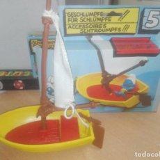 Figuras de Goma y PVC: BARCA LOS PITUFOS -- PEYO -- FALTA EL PITUFO -- CON CAJA. Lote 221265667