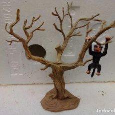 Figuras de Goma y PVC: ÁRBOL Y MONO DE PECH. Lote 221278112