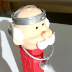 Figuras de Borracha e PVC: DISPENSADOR PEZ DOCTOR. MADE IN SPAIN AÑOS 70. Lote 221442121