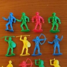Figuras de Goma y PVC: 16 COMANSI. Lote 221565532