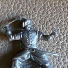 Figuras de Goma y PVC: FIGURA DE PLASTICO, PHOSKITOS, SOLDADOS DEL MUNDO, DUNKIN, CROPAN. Lote 221702041